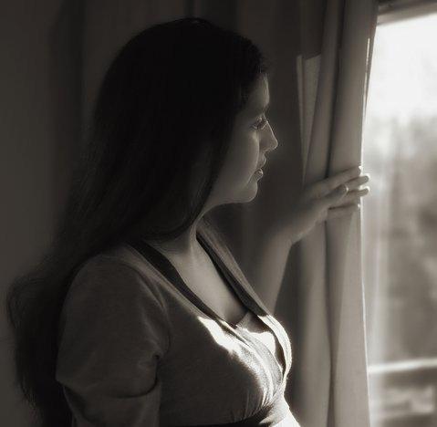 window pregnant (2)